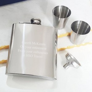 engraved hip flask with cup set